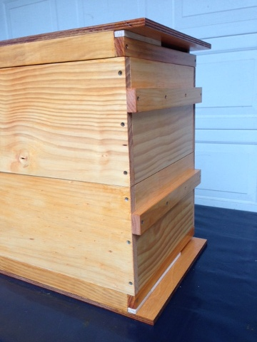 Multipurpose Hive Lid Or Base Davey Bees